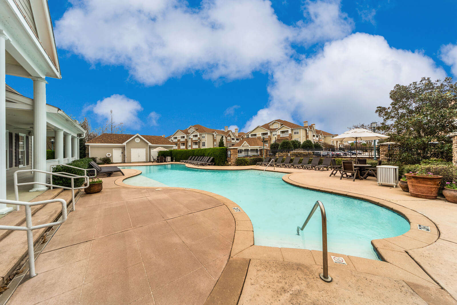 The Regent Resort Style Pool
